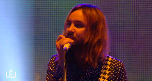 Tame Impala dans le grand journal de canal+